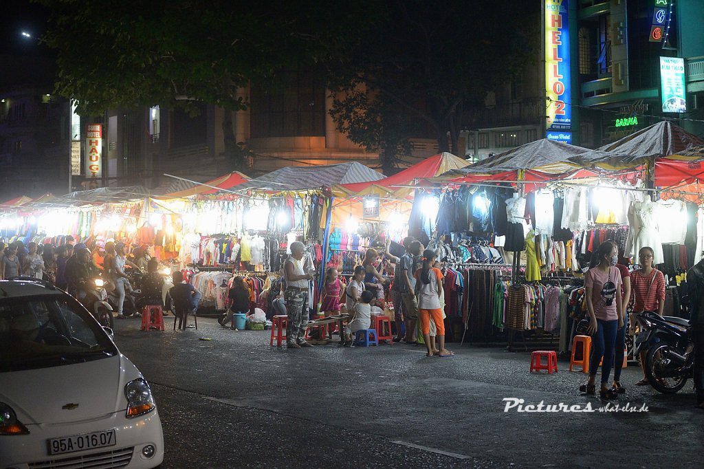 Nightmarket in My Tho